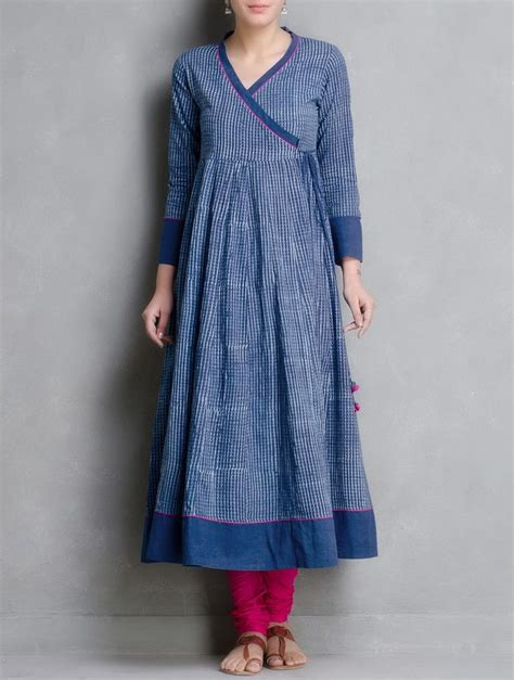 pattern of kalidar kurta buy indigo hand block printed kalidar angrakha by aavaran