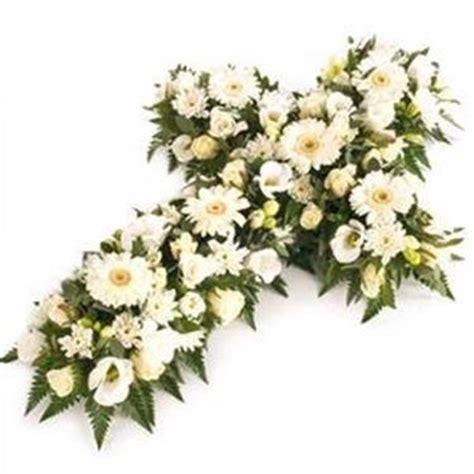 fiori per un funerale come scegliere i fiori per un funerale info network net