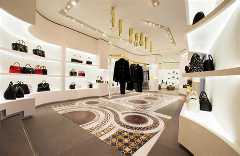 versace opens    store  rome global blue