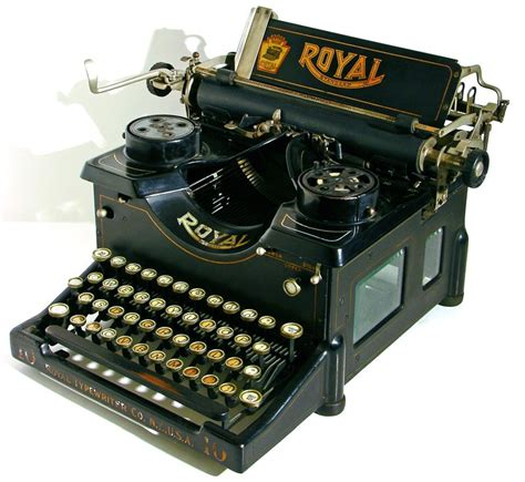 my 3 favorite old fashioned typewriters tyrannosaurus lists
