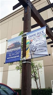 """Double Sided Street Pole Banner Bracket 18"""" with (2) 18"""" x ... .25 Acrylic Sheets Wholesale"""