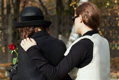 how to comfort a suicidal friend 6 tips to comfort someone who has lost a loved one to suicide