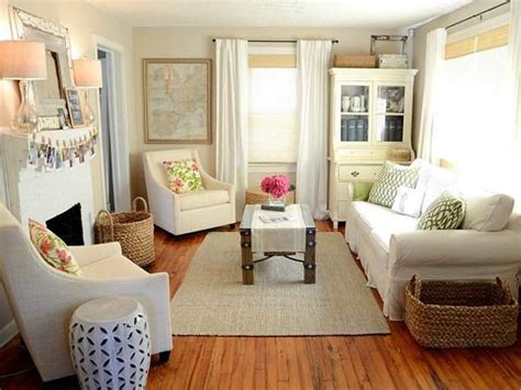 small apartment decorating ideas make it spaciously cozy 38 small yet super cozy living room designs