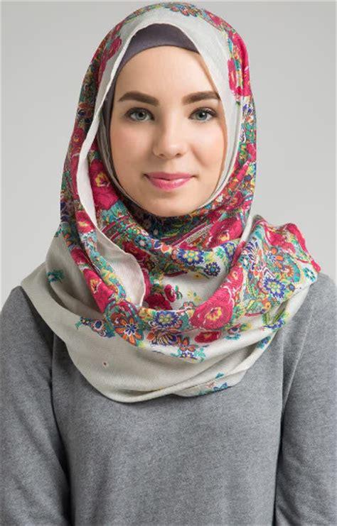 model jilbab hijab terbaru dengan berbagai gaya yang harus anda model jilbab hijab terbaru dengan berbagai gaya yang harus