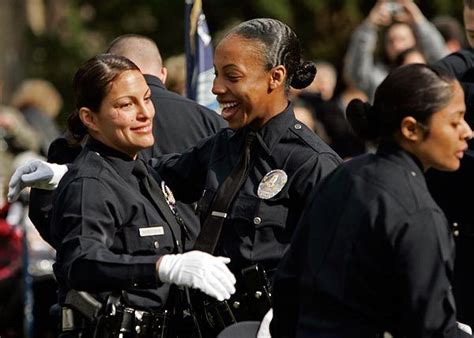ameican police officers hair cuts lapd female officers los angeles police department