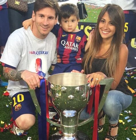 lionel messi family biography lionel messi wife google search soccer pinterest