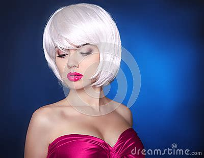 short ha fashion beauty blond girl makeup bob hairstyle white
