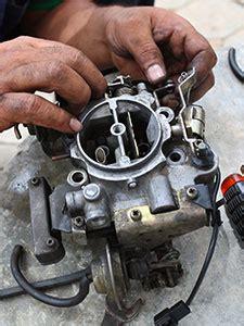 carburetor    start  flooded engine carburetor