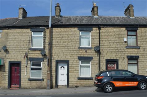 pattern house stalybridge rent 2 bedroom terraced house to rent off grove road