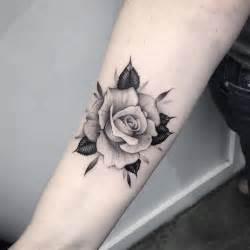 25 tatuajes de rosas negras ideales para ti 25 melhores ideias de tattoo familia no pinterest