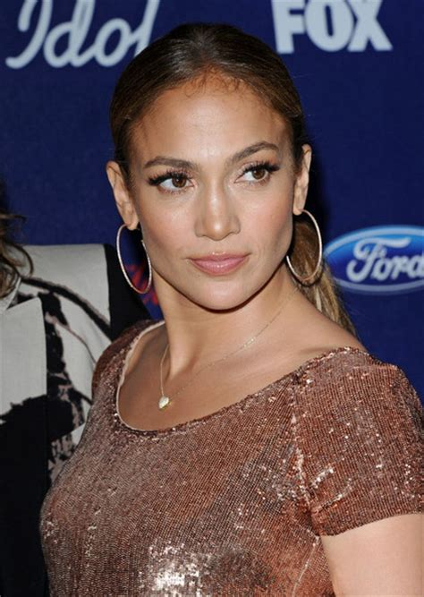 What Type Of Foundation Does J Lo Wear | what type of foundation does j lo wear