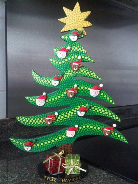 arbol de navidad en puntillismo navidad en madera