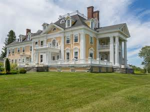 Colonial Mansion a stately colonial style mansion in burke vermont is on
