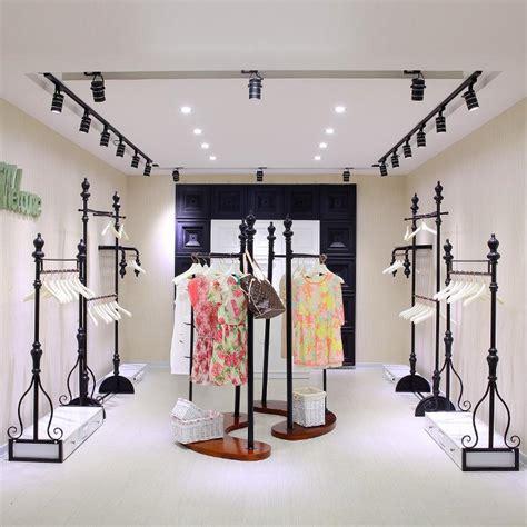 2017 wholesale clothing store clothing store shelves on