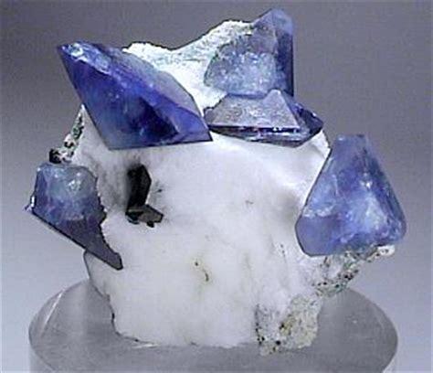 benitoite mine & mineral specimens trinity mineral company