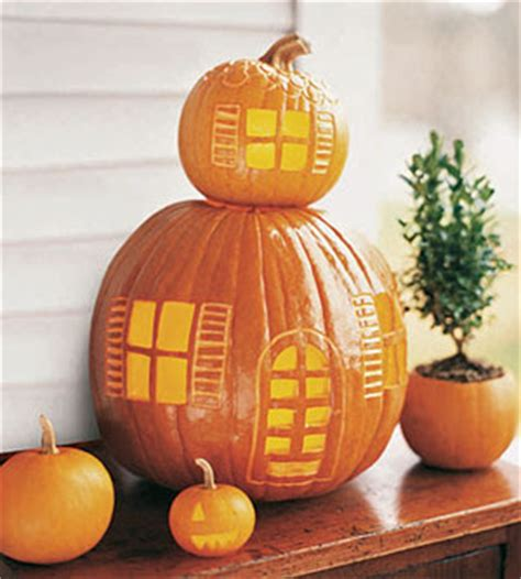 Pumpkin Tower Decoration by Hiving Out Pumpkins