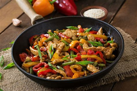 mantarli tavuk sote lezzet tanesi yemek tarifleri sebzeli tavuk sote tarifi nasıl yapılır yemek com
