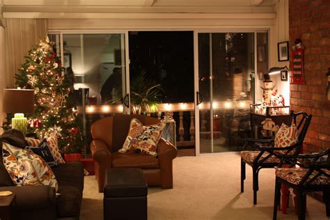 how to decorate a small living room for christmas