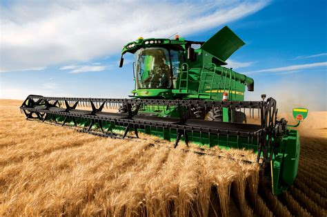 Home Interior Deer Picture by John Deere Introduces Combine Improvements And New Hydraflex Draper