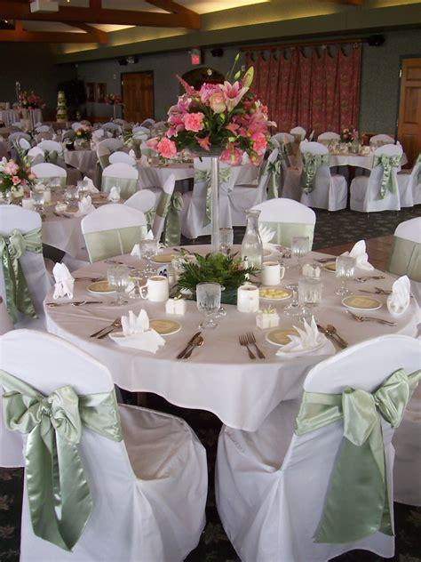 Wedding reception table linens   DecorLinen.com.
