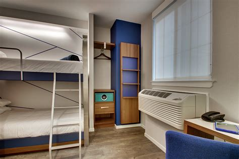 micro hotel rooms u s micro hotel pioneer the pod hotels expands to washington d c