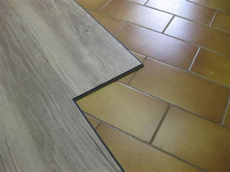 piastrelle in laminato pavimenti in vinile ad incastro prezzi design casa