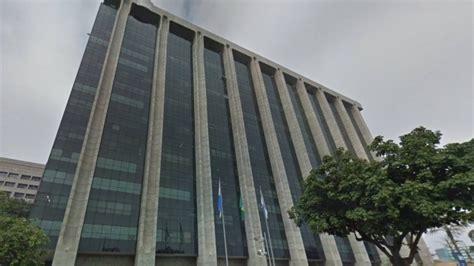 aumento dos servidores da prefeitura do rio de janeiro servidores da prefeitura do rio recebem 1 186 parcela do 13 186