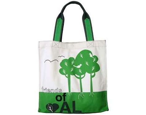 Anya Hindmarch Bag Isnt So Green After All by Fashionably Green Alternatives To The Sold Out Quot I M Not A