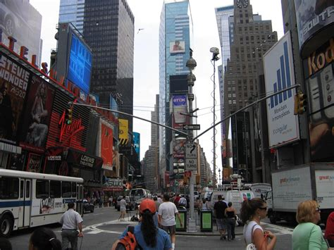100 Avenue Of Americas New York 42 Floors - times square new york most visited spot 2013 travel