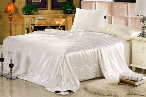 silk comforters great discounts on silk comforter set now available at