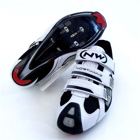 road bike shoe fit northwave aerlite 3 mens road cycling shoe white black