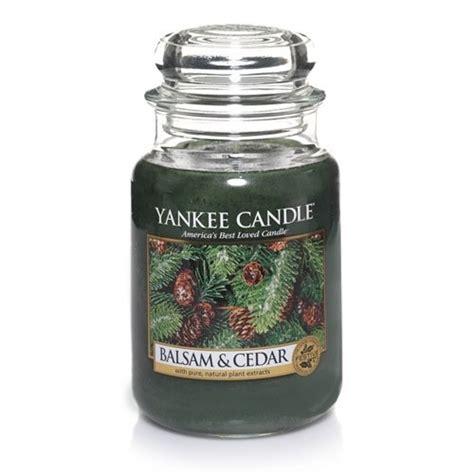 Yankee Candle Large Jar Candle Lilin Wangi Balsam Cedar yankee candle large 22 ounce jar candle balsam cedar
