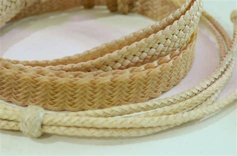 artesanos en cuero artesan 237 as tradicionales en cuero en la muestra
