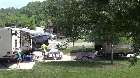 Lakes Rv Park Tn by Pine Mountain Rv Park By The Creek Pigeon Forge