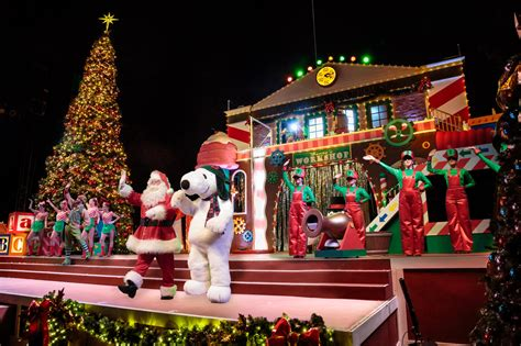 themes for christmas shows knott s merry farm begins november 22