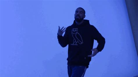 drake hotline bling video ruby rose doet drakes hotline bling dansje