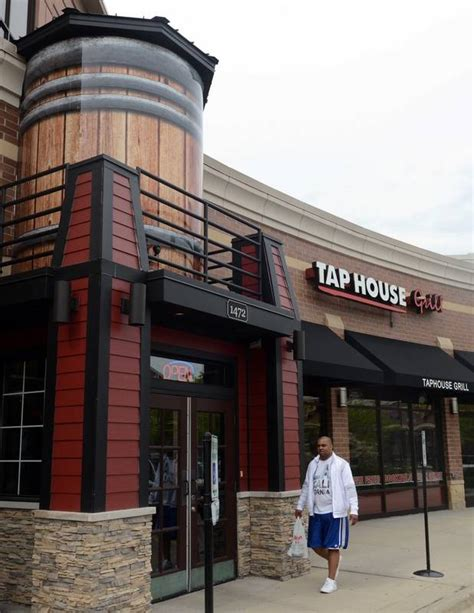 tap house des plaines des plaines approves incentives for new downtown restaurants