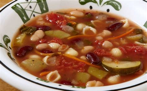 Minestrone Soup Olive Garden by Olive Garden Debuts New Lunch Menu
