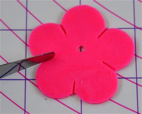 How To Make Hawaiian Paper Flowers - beki cook s cake easy hawaiian or themed cupcakes