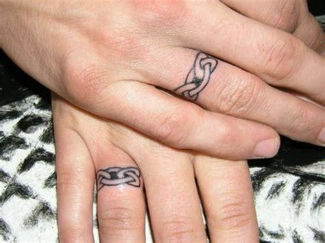 kleines tattoo finger kosten finger tattoo faszinierende ideen f 252 r beliebte motive