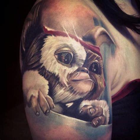 tattoo gizmo new delhi delhi tatouage bras fantaisie gremlin par sam barber