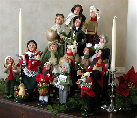 Caroler Decorations by Decorating Tips Display Gallery Byers Choice