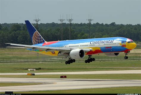 Wings 1 400 Boeing 777 224 Continental Airlines boeing 777 224 er continental airlines aviation photo 1071331 airliners net