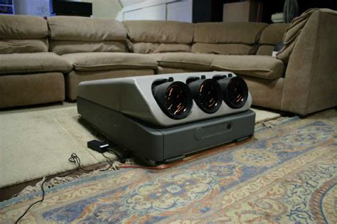 Proyektor Crt sony g70 crt projector moe s home theater