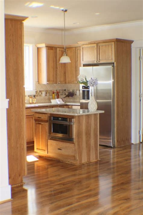 Kitchens With Wood Floors And Cabinets 25 Best Ideas About Hickory Cabinets On Pinterest Rustic Hickory Cabinets Hickory Kitchen
