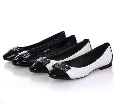 trendsepatupria black white shoes images