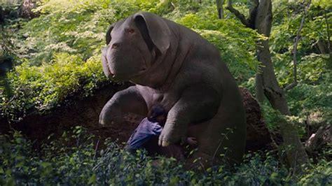 film giant pig okja trailer netflix sci fi movie unveils its giant pig