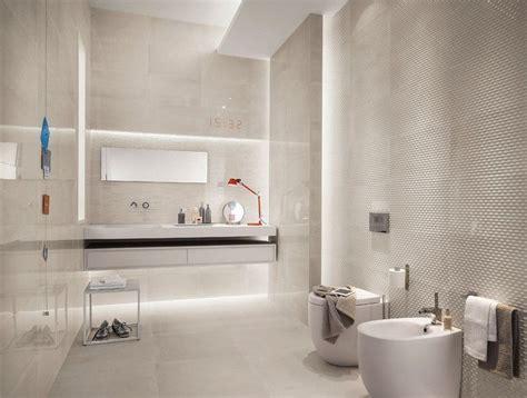 wandbeleuchtung bad bad fliesen in creme und indirekte wandbeleuchtung bad