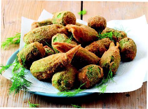 ricette con fiori di zucchine ricetta rocchetti di zucchine e fiori impanati la cucina