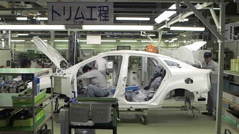 toyota product line toyota mirai production line vehicle trim youtube